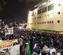 """Participan miles en """"toma simbólica"""" de Televisa"""